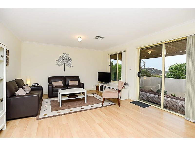 1, 2 Olivier Terrace, Hallett Cove SA 5158