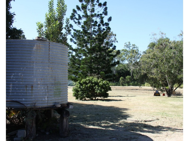 11 Awoonga Dam Road, Benaraby QLD 4680
