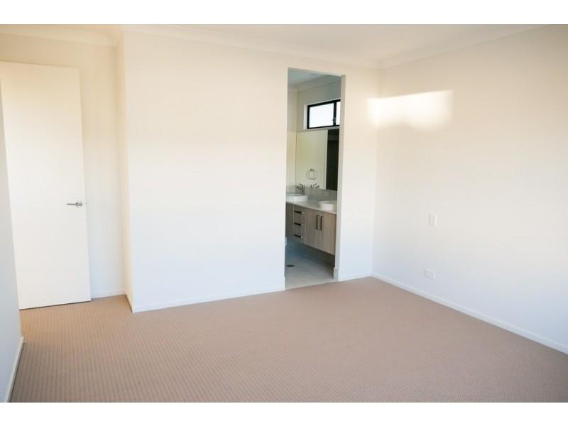 17 Flinders Street, Upper Kedron QLD 4055