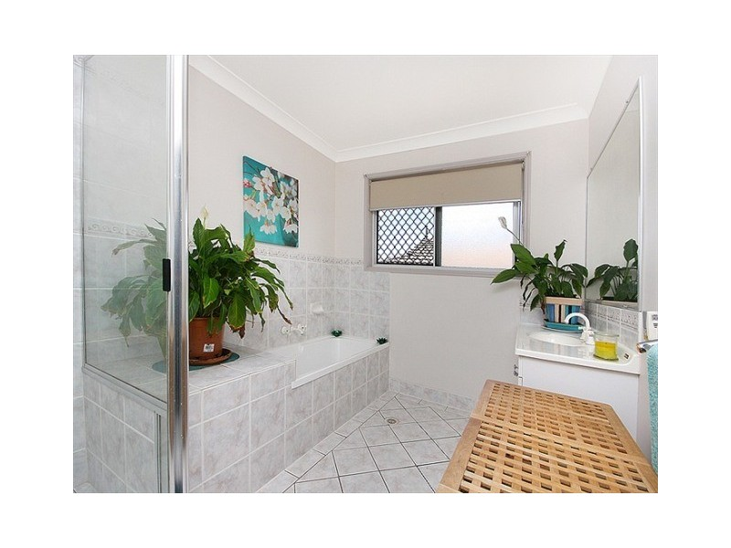 28 Resolution Parade, Flinders View QLD 4305