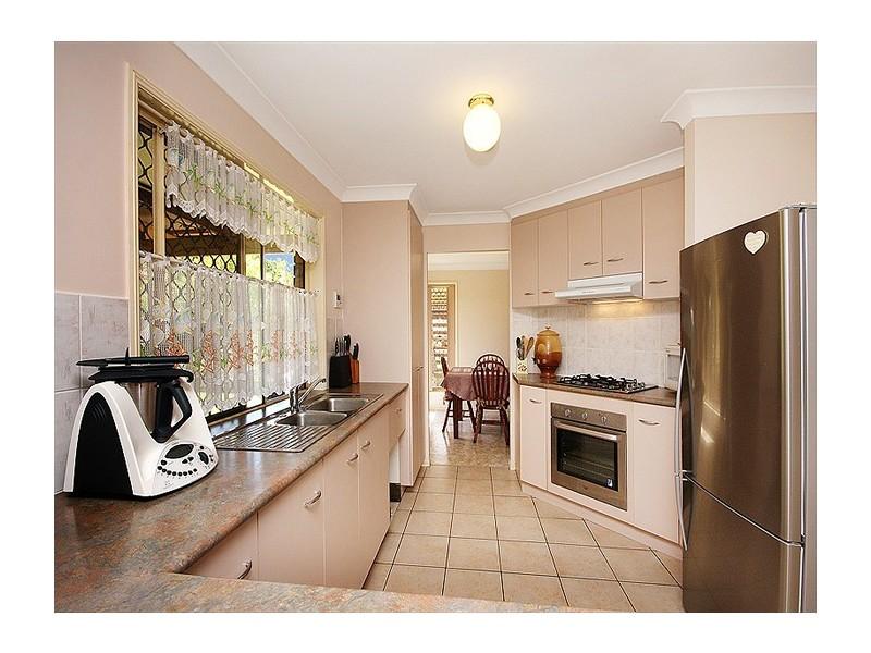 5 Rangeview Drive, Flinders View QLD 4305