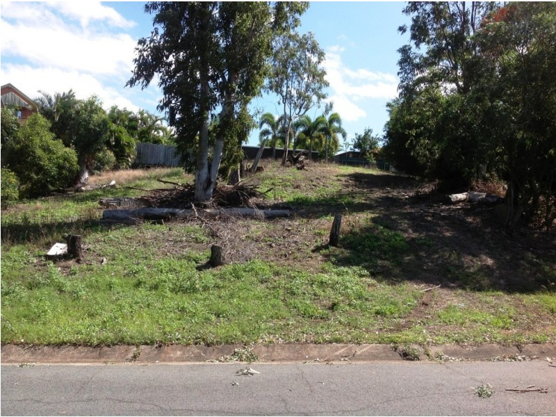 5 Dixon Place, Cannonvale QLD 4802