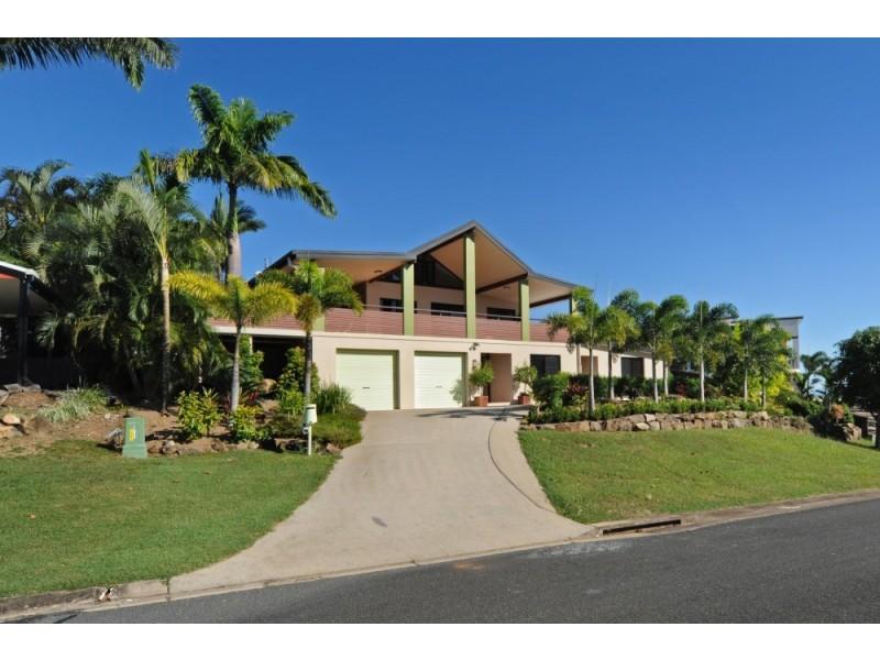 3 Whitehaven Crescent, Cannonvale QLD 4802