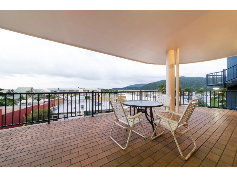 4 Mayfair 5 Golden Orchid Dr, Airlie Beach QLD 4802