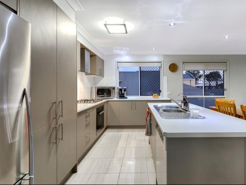 26 Caribou Crescent, Fitzgibbon QLD 4018