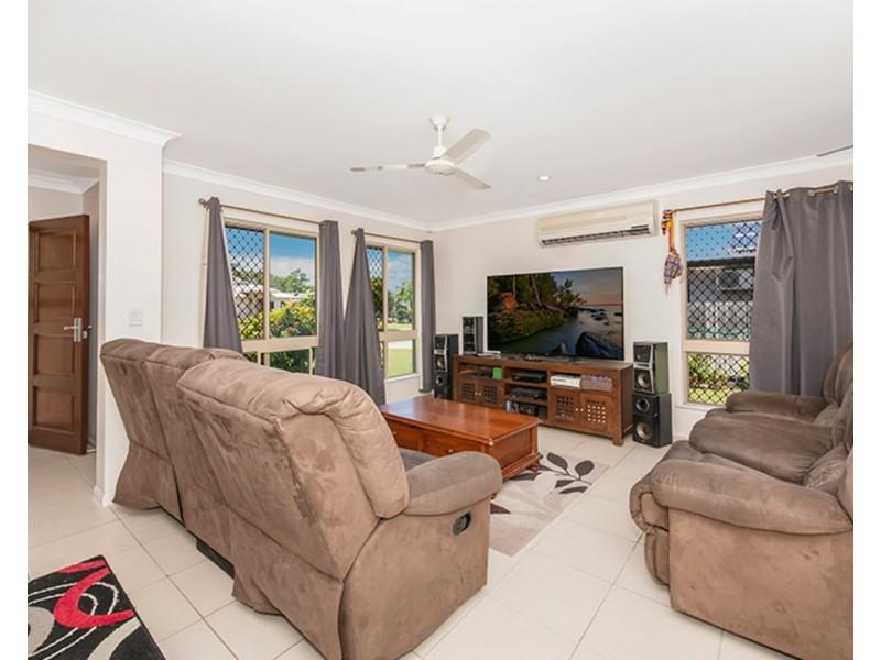137 Daintree Drive, Bushland Beach QLD 4818