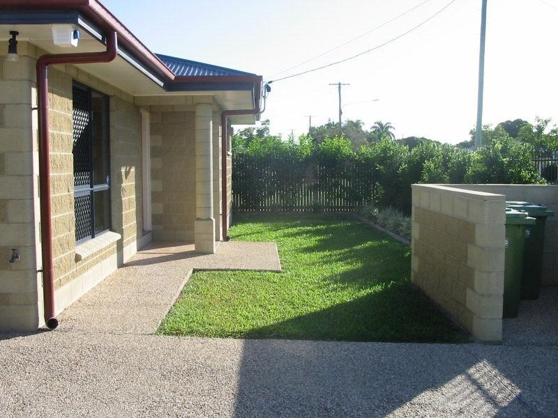 1/24 Camp Street, Mundingburra QLD 4812