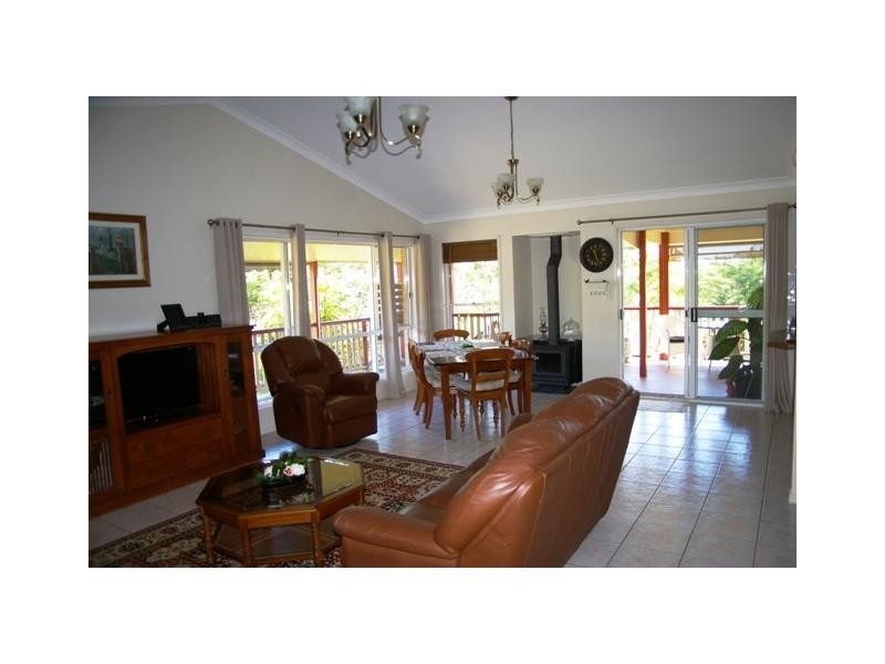13-15 Ada Cres, Upper Caboolture QLD 4510