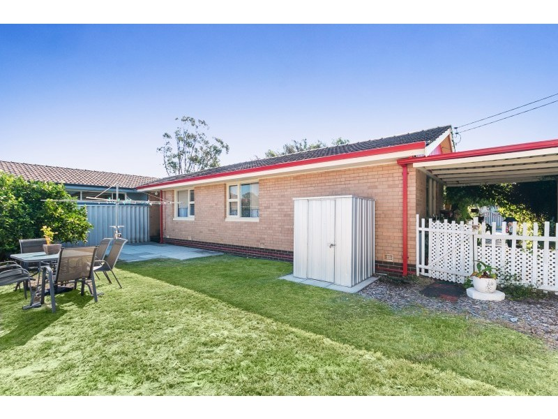 122 Kitchener Road, Alfred Cove WA 6154