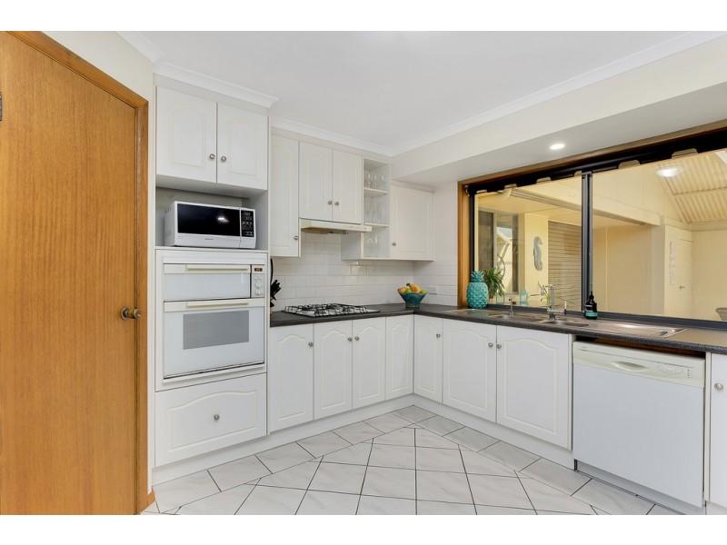 21 Paignton Close, Moana SA 5169