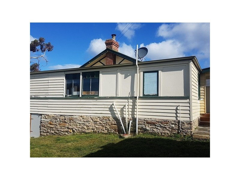 2 Blanche Avenue, Blackmans Bay TAS 7052