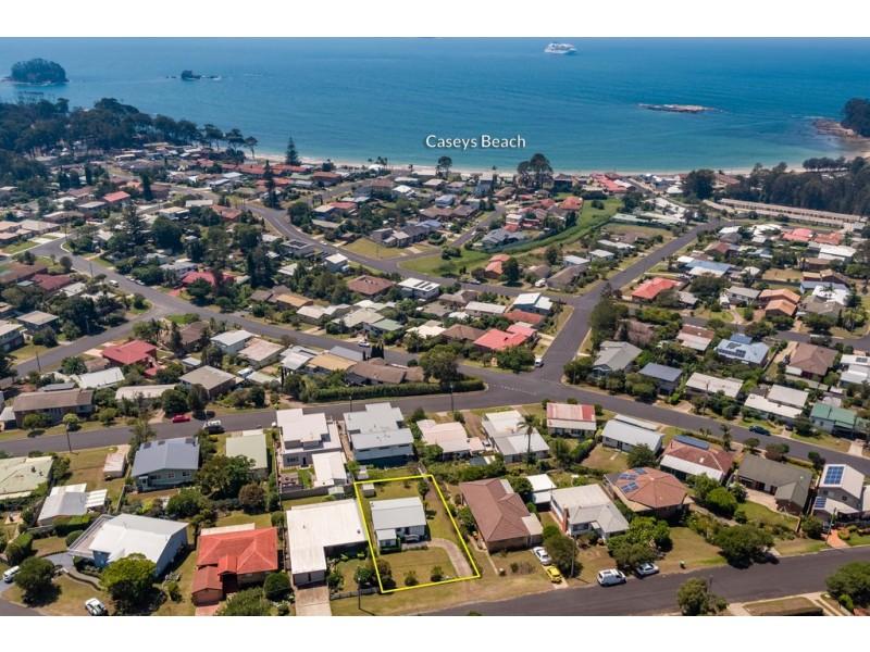 7 Ocean Road, Batehaven NSW 2536