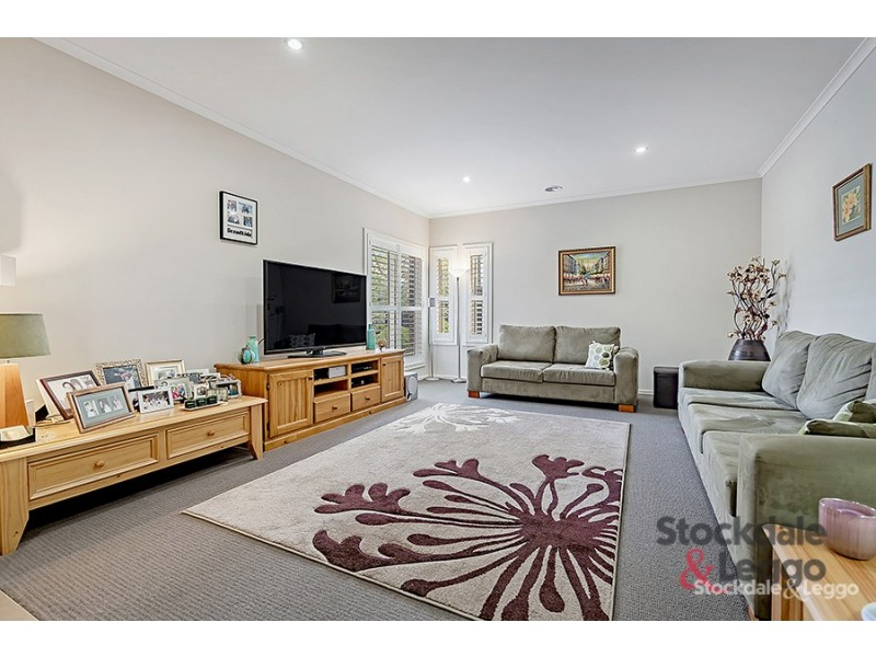 10 Waterway Street, Craigieburn VIC 3064