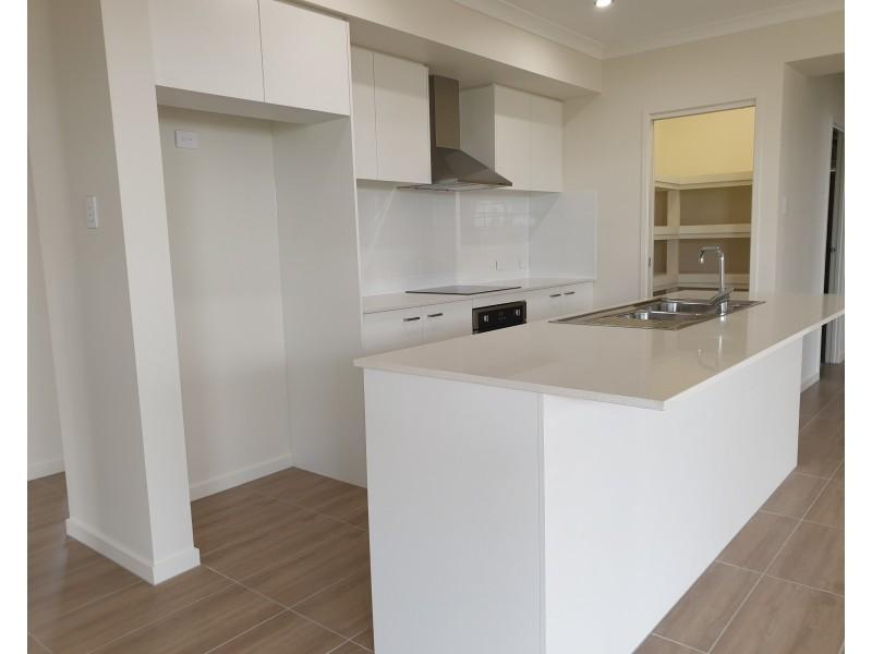 96 Morna Street, Newport QLD 4020