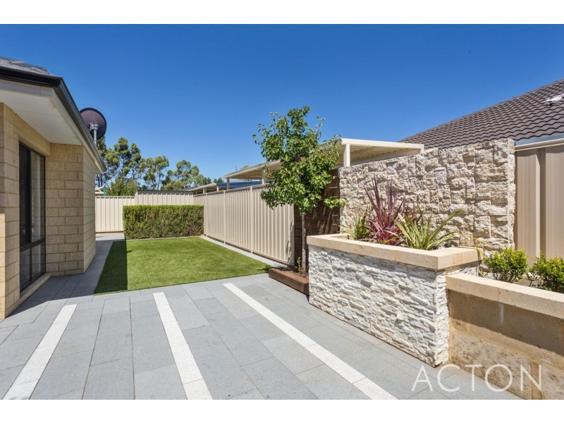 12 Mosman Loop, Success WA 6164