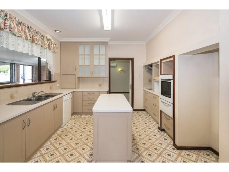 4 Adelaide Street, Busselton WA 6280