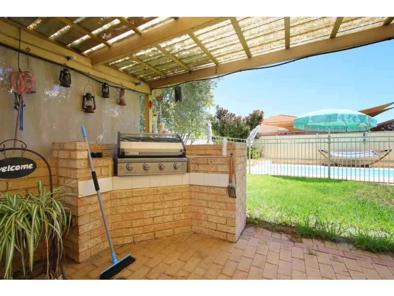 26 Liata Court, Thornlie WA 6108