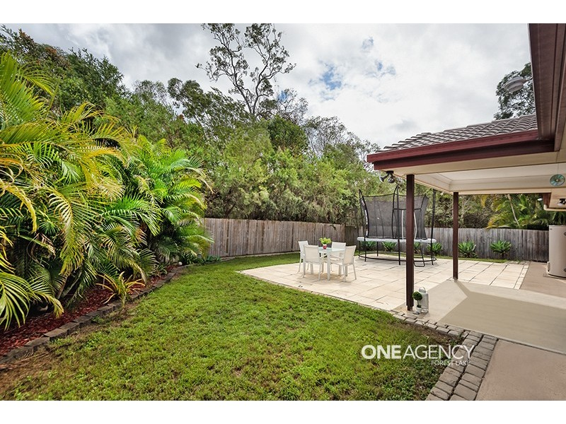 6 Allen Close, Forest Lake QLD 4078
