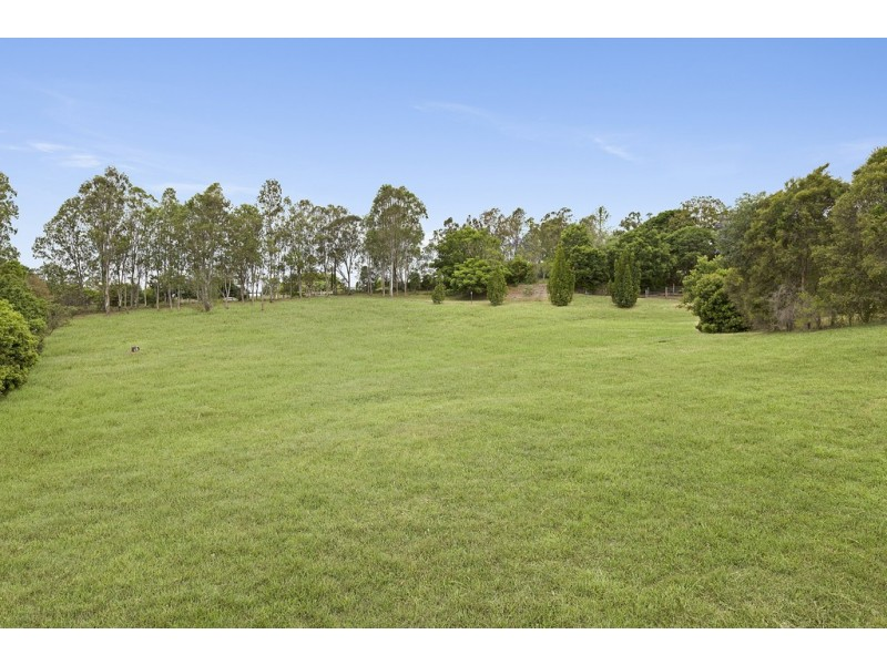 140 Rafting Ground Road, Brookfield QLD 4069