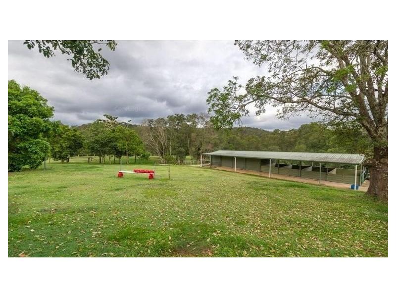 Brookfield QLD 4069