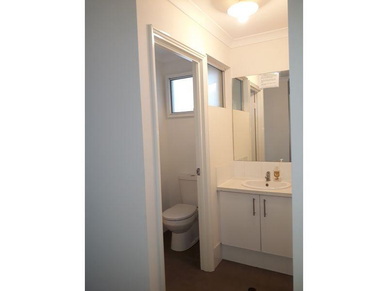 LARGE ROOM 3a Mint Street, East Victoria Park WA 6101