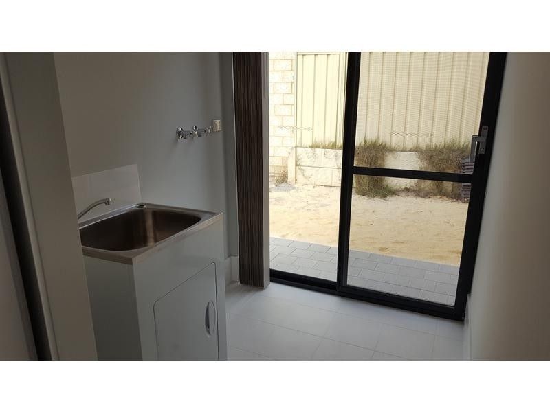Rooms/2 Parkhill Way, Wilson WA 6107