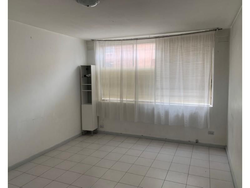 2/13 Empire Street, Footscray VIC 3011