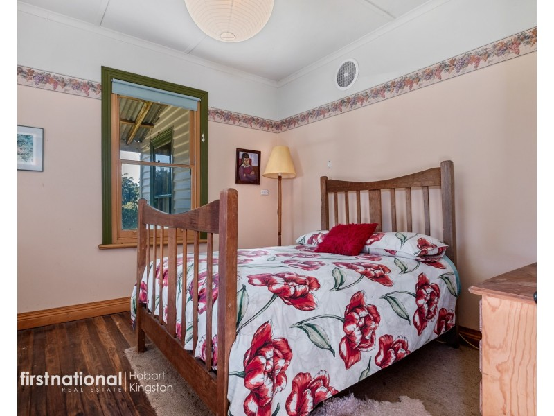 120 McPhersons Road, Adventure Bay TAS 7150