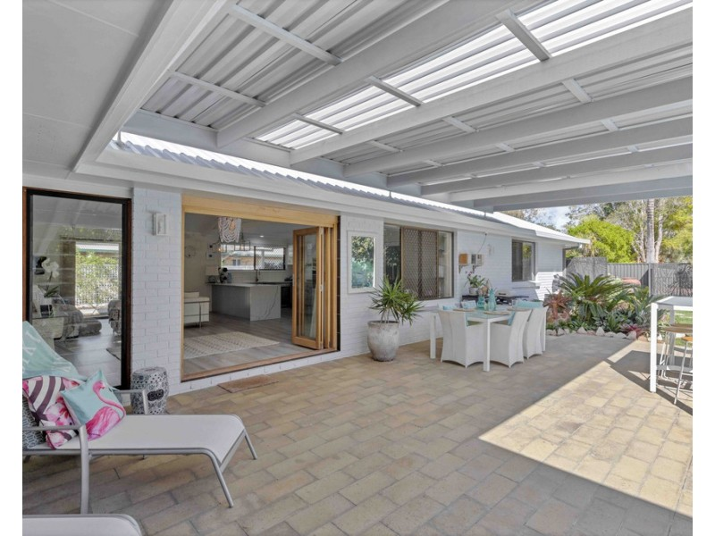129 Gympie Road, Tin Can Bay QLD 4580