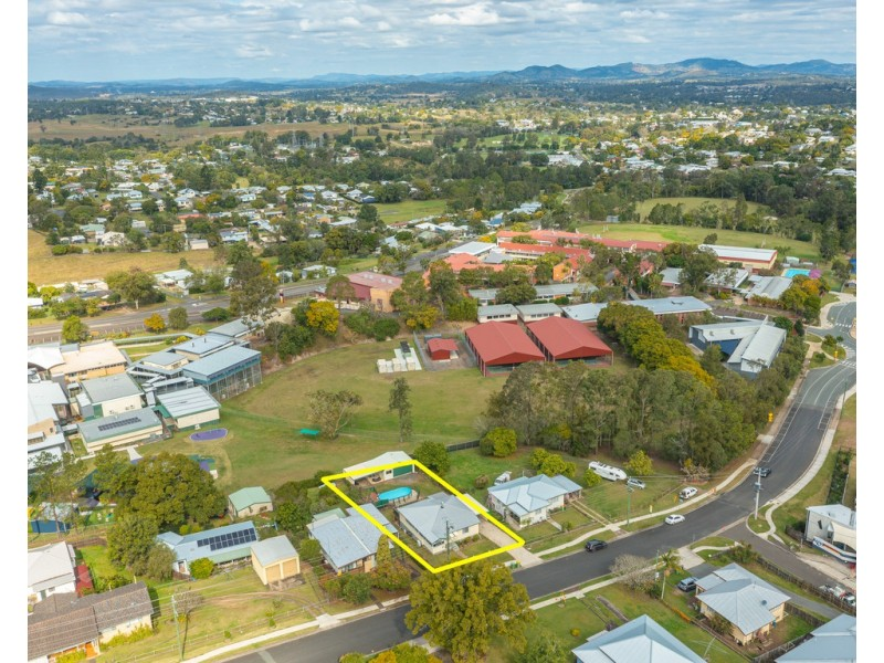 33 Everson Road, Gympie QLD 4570