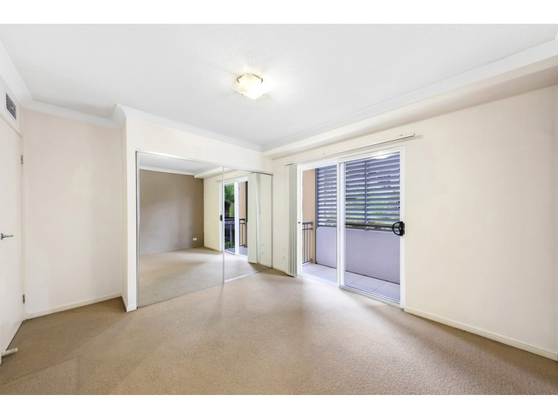 506/33 Clark Street, Biggera Waters QLD 4216