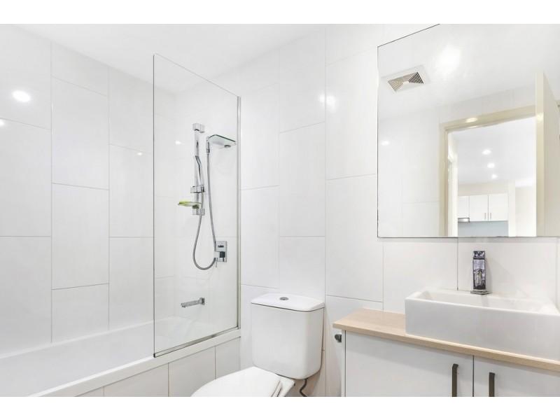 402/20 Playfield Street, Chermside QLD 4032