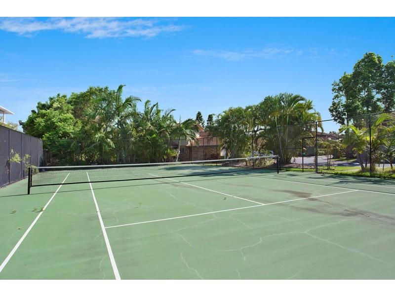 17/11 Waterford court, Bundall QLD 4217