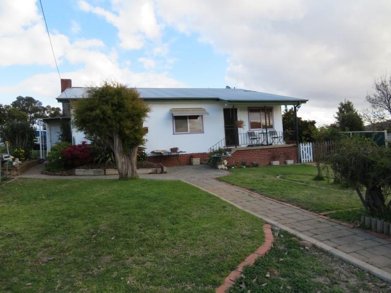 25 Ridge Street, Gundagai NSW 2722   Sell Smart Real Estate   Withdrawn
