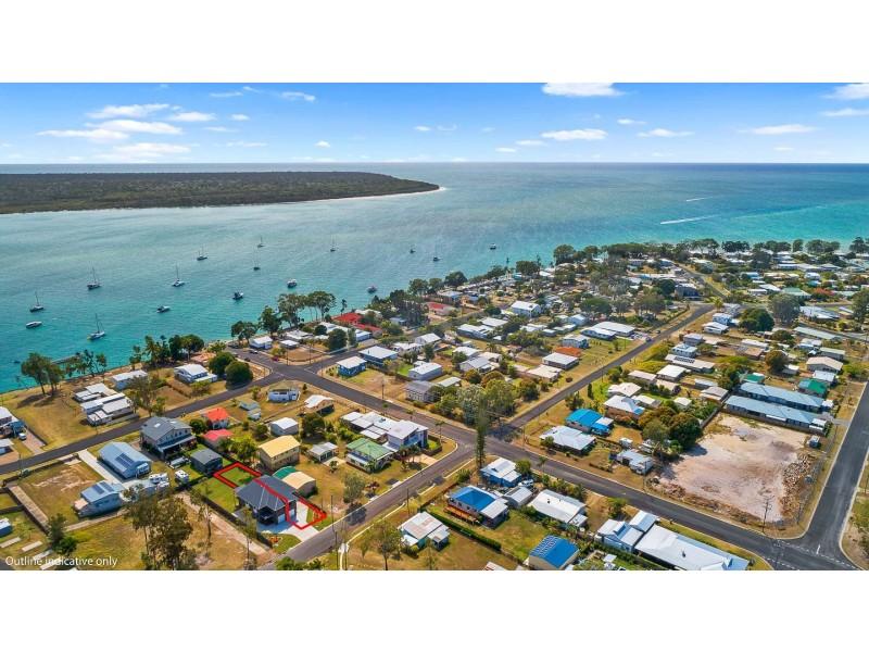 2/6 Howard St, Burrum Heads QLD 4659