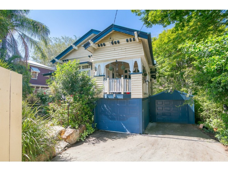 10 Barry Street, East Ipswich QLD 4305
