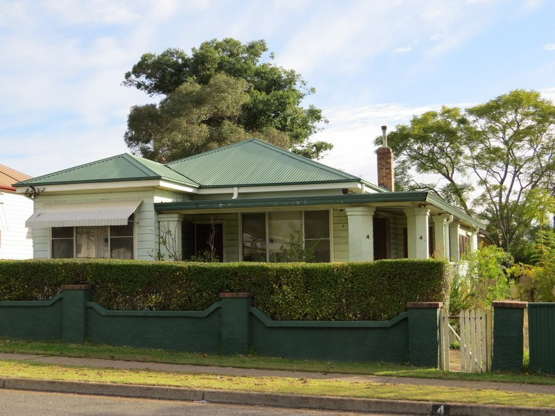4 Church Street, Abermain NSW 2326