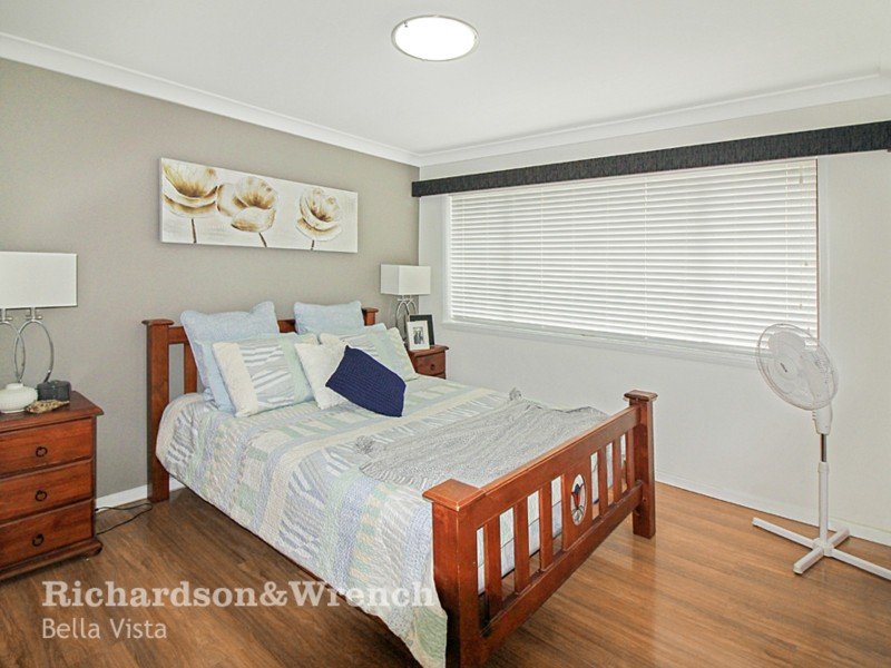 33 Joseph Banks Drive, Kings Langley NSW 2147