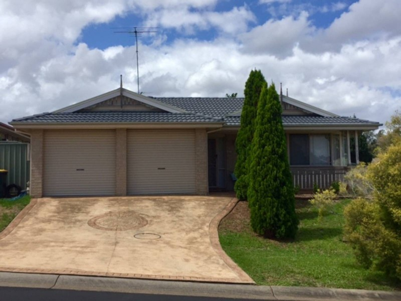 2 Henty Place, Quakers Hill NSW 2763