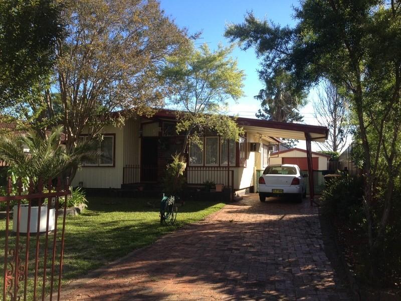 22 Gasmata Cres, Whalan NSW 2770