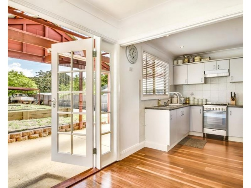 32 Hill Street, Bundanoon NSW 2578