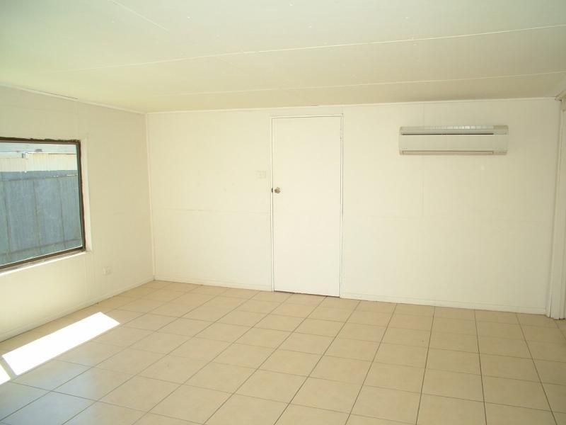 4 Warrie St, Gilgandra NSW 2827