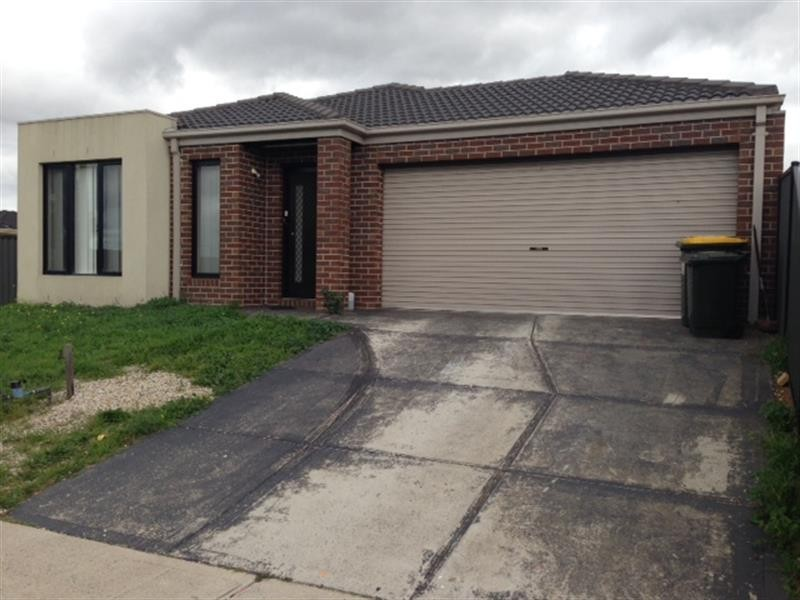 28 Tiverton Pkwy, Derrimut VIC 3030