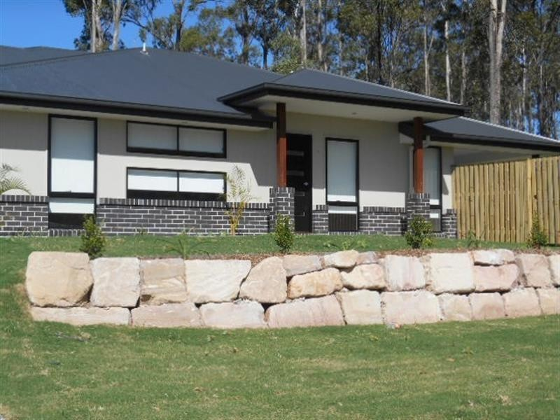 27B Eustace Cct, Augustine Heights QLD 4300