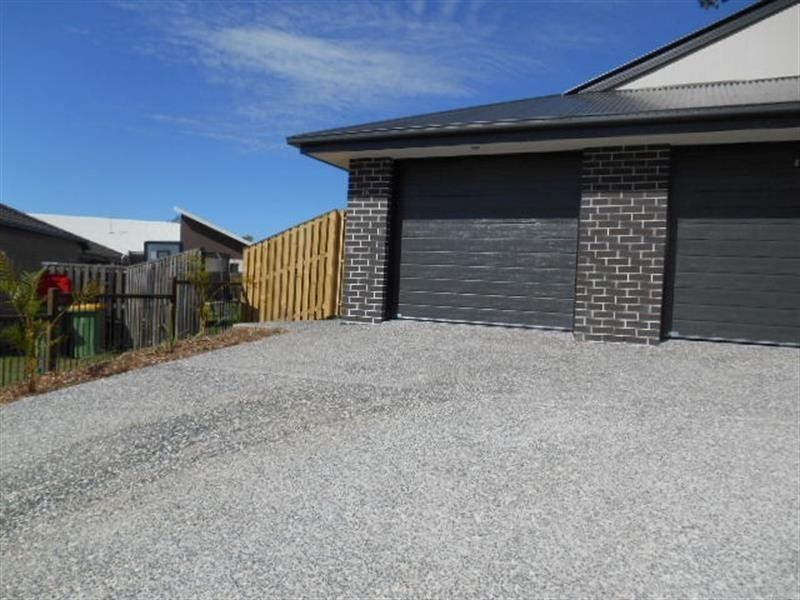 27A Eustace Cct, Augustine Heights QLD 4300