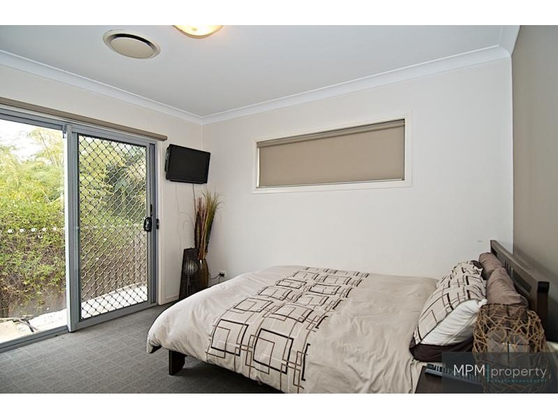 6 Hallmark  Ct, Ashmore QLD 4214