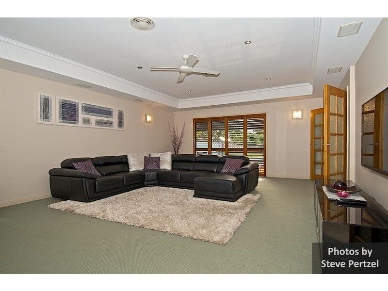 7 Selsey Ct, Arundel QLD 4214