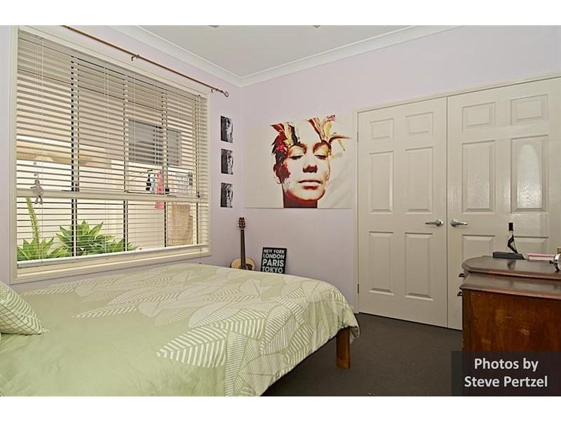 13 Midhurst Ct, Arundel QLD 4214
