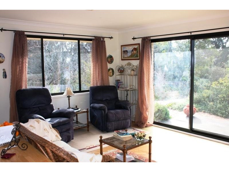 12 Viewland St, Bundanoon NSW 2578