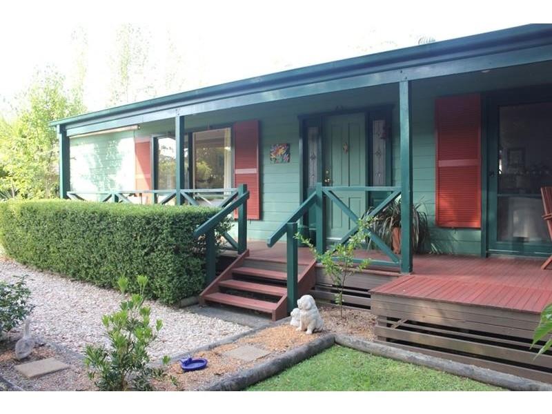 8 Florence St, Bundanoon NSW 2578